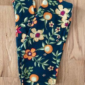LulaRoe OS Floral Leggings With Oranges